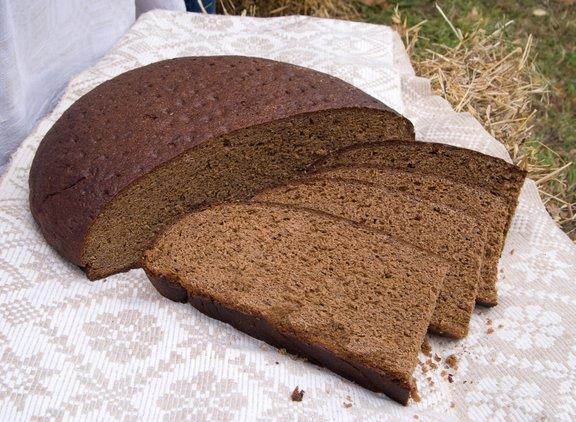 Rženi kruh, katerega pripravimo z droži ima prijetno kiselkast okus.