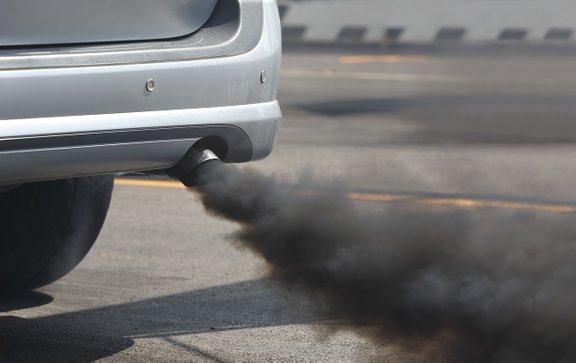 Dizelska cestna vozila so eden največjih proizvajalcev onesnaženja s trdnimi delci v razvitih državah.
