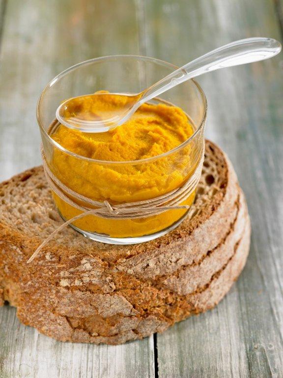 Iz številne zelenjave lahko pripravimo preproste, a okusne namaze, s katerimi nadomestimo industrijsko pripravljene paštete.