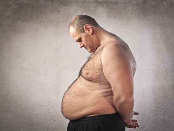 Prekomerna telesna teža lahko povzroči težave s testosteronom. Ravno tako lahko izguba odvečne teže hormone spet uravna.