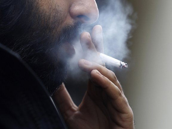 Strokovnjaki opozarjajo, da kajenje občutno poslabša alergijske bolezni, pri čemer seveda ne smemo pozabiti na pasivno kajenje.
