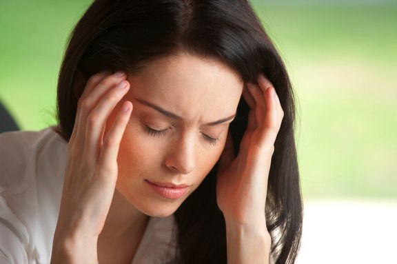 Če ste utrujeni in brez energije, je to lahko povezano z več stvarmi, vendar pa ta simptom pogosto nakazuje na hipotioridizem, ki je posledica premajhne proizvodnje ščitničnega hormona v telesu.