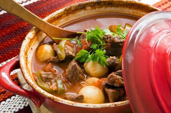 Golaž najboljši okus razvije dan po kuhanju.