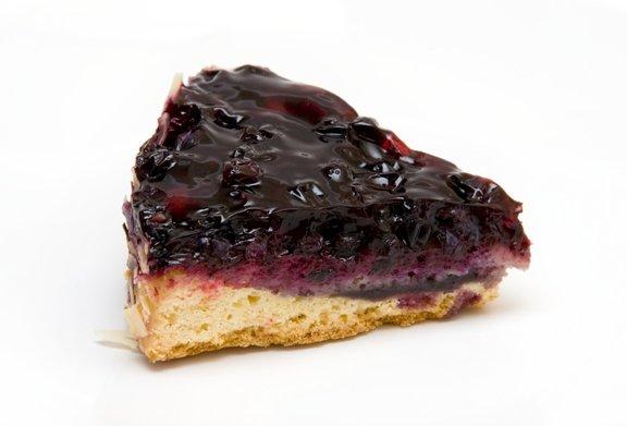 Če bomo sveže borovnice zamrznili, lahko tudi pozimi pripravimo slastno borovničevo pito!