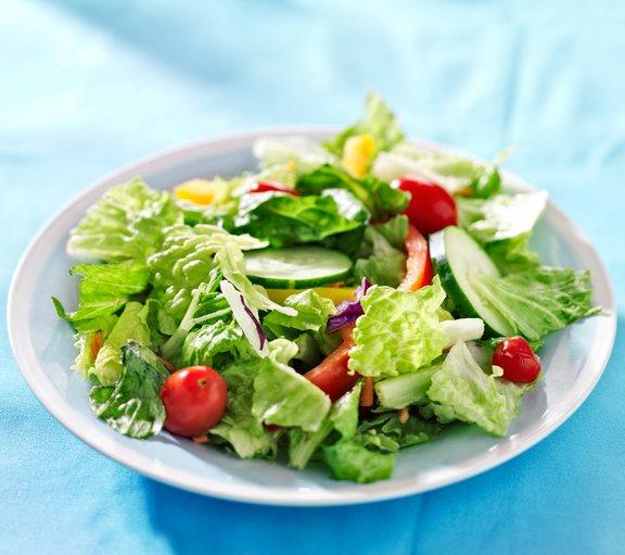 Rastlinska prehrana je lahko prav tako nezdrava kot druge vrste prehrane, če ne vključuje ustreznih kombinacij živil v primernih količinah.