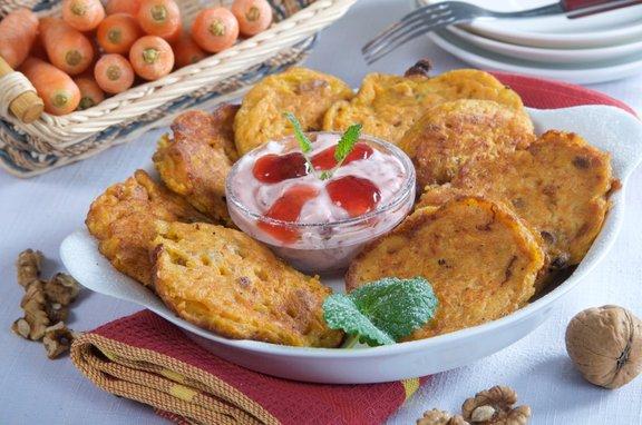 Za pripravo korenčkovih palačink boste potrebovali manj kot pol ure.