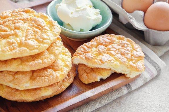 Oopsie kruh se pogosto uporablja kot nadomestek za pšenični kruh.