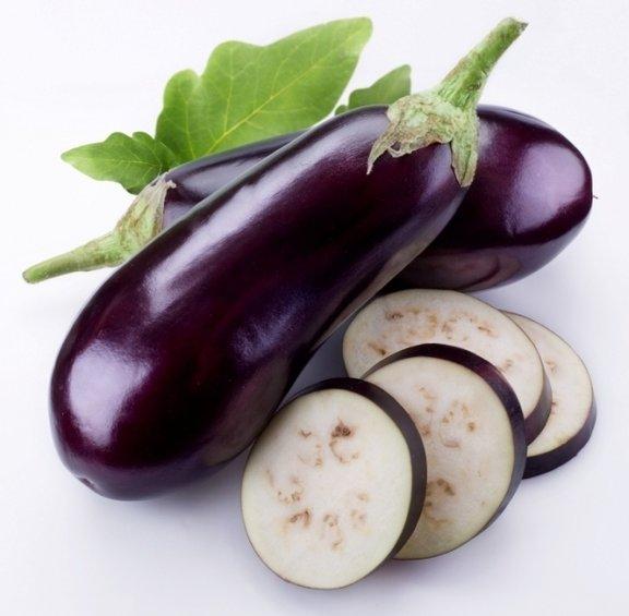 Jajčevci vsebujejo veliko prehranskih vlaknin, vitaminov in mineralov. So tudi bogat vir antioksidantov, kot je na primer nasunin, ki jim daje značilno vijolično barvo.