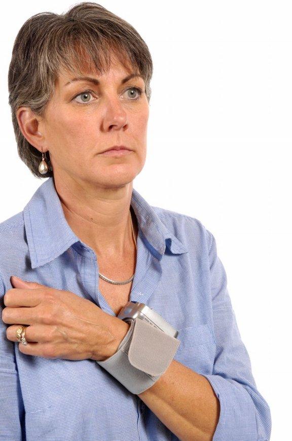 Hipotenzija je lahko posledica jemanja določenih zdravil ali pa motenj v avtonomnem živčnem sistemu.