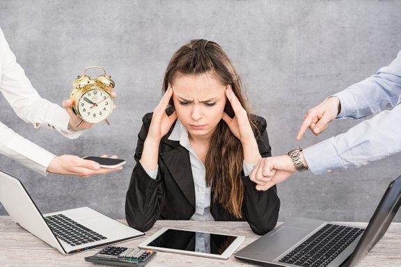 Več študij je pokazalo, da kronični stres sprošča proste radikale – nestabilne molekule, ki povzročajo poškodbo celic in so odgovorne za staranje.