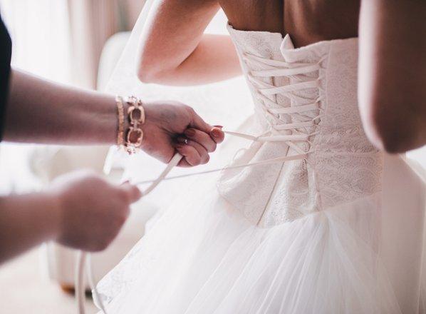 Trendi, ki bodo zaznamovali poročne obleke v letu 2020