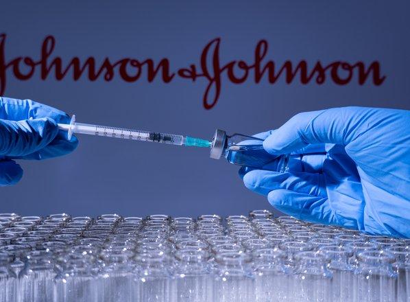 Ema potrdila možnost povezave med redkimi primeri krvnih strdkov in cepivom ...