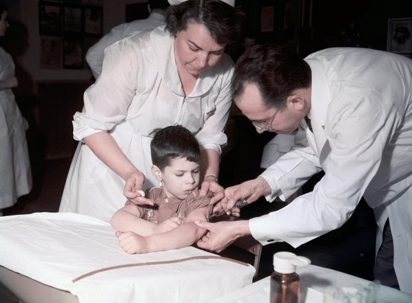 66 let po zmagi nad otroško paralizo: 'Patenta ni. Bi lahko patentirali sonce?'