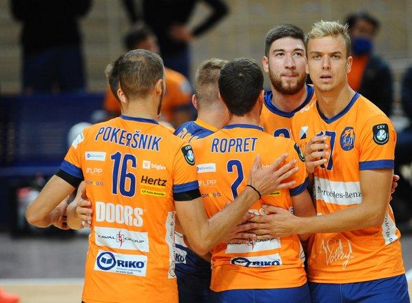 ACH Volley zmagal v Zwettlu, Calcit ostaja v igri