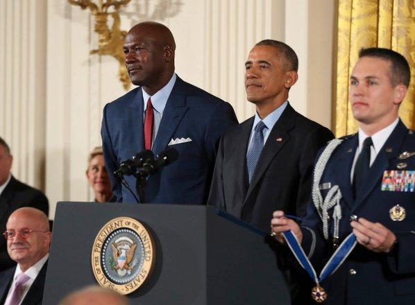 Dresa Jordana in Obame na dražbi prodana za rekordni vsoti