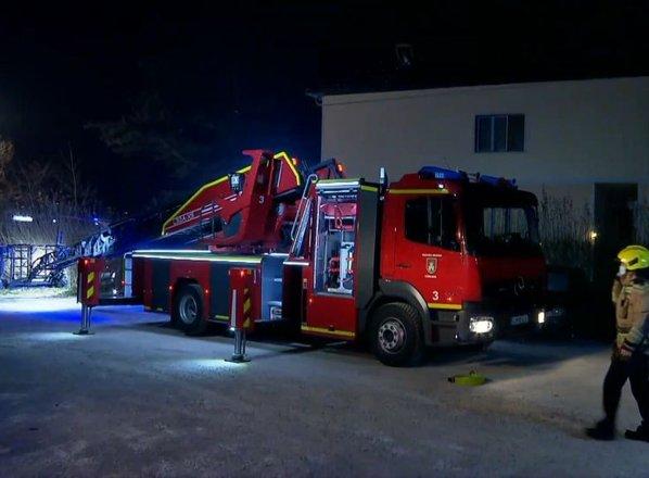 V Ljubljani zagorela večstanovanjska hiša