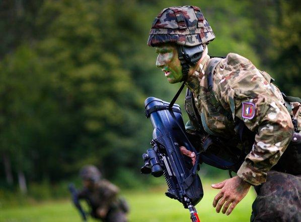 Nespoštovanje pravil in na stotine izgubljenih tožb Slovenske vojske