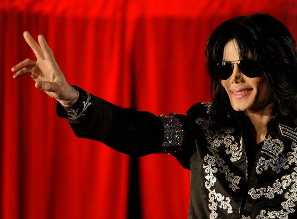 Michael Jackson je bil pred smrtjo skoraj popolnoma plešast