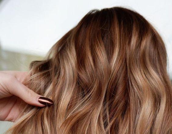 4 barve las, ki pristajajo vsem ženskam