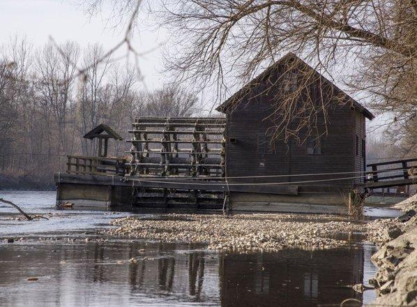 Gasilcem le uspelo: ižakovski mlin na Otoku ljubezni spet nad vodo