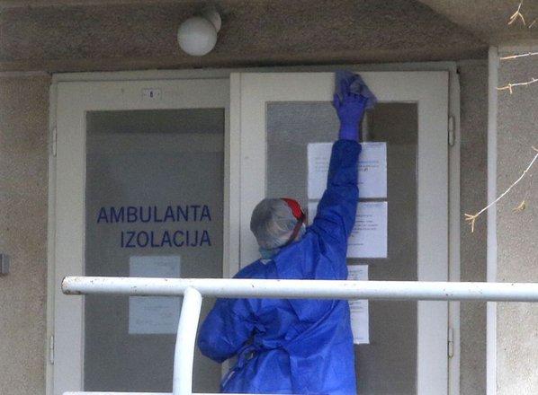10 ljudi ozdravelo, 43 novih okužb, skupno 977