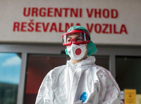 Koliko okuženih potrebuje bolnišnično zdravljenje?