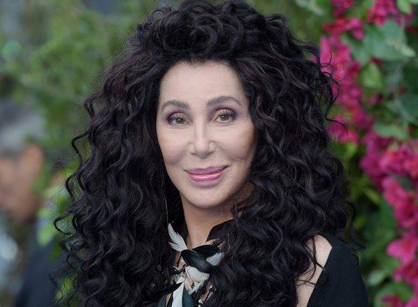 Cher potuje v Pakistan, da bi pomagala rešiti najbolj osamljenega slona na svetu