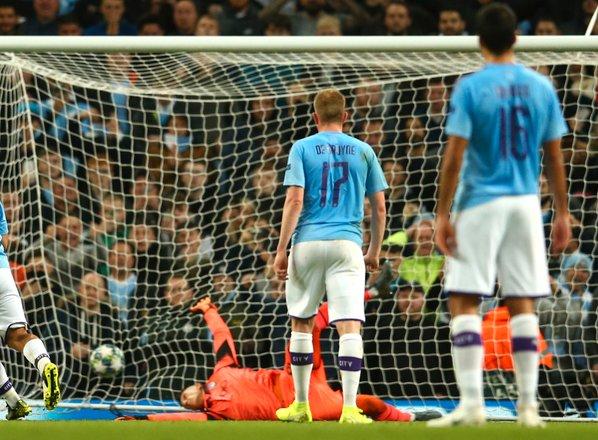 Petarda v mreži Italijanov: Sterling in Aguero za tretji poraz Atalante v LP