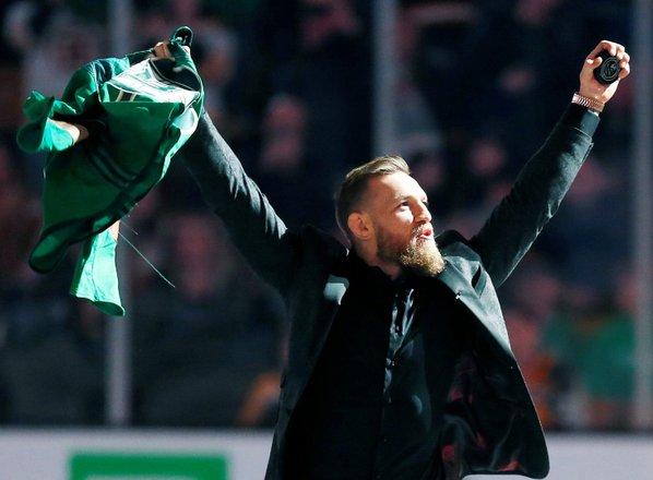 Cerrone kilograme topil v družbi sinčka, McGregor po borbi obljublja žur