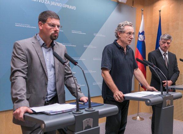 Javni sektor napovedal stavko in protestni shod za 4. december