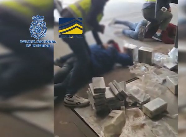 Europol razbil balkansko kokainsko verigo, v Sloveniji deset aretiranih