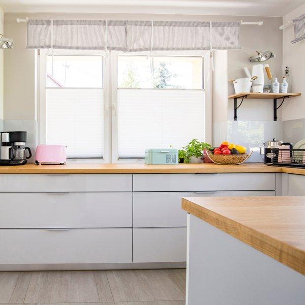 Detajli pastelnih barv poživijo dom