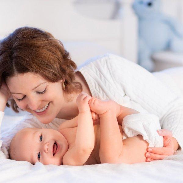 Mama zajoka 150-krat, doji 32.400 minut in izgubi 1.080 ur spanja