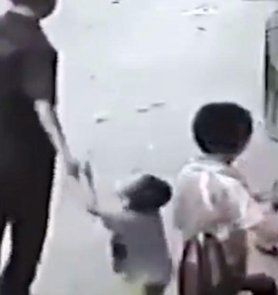 Ugrabitev otroka pred očmi staršev