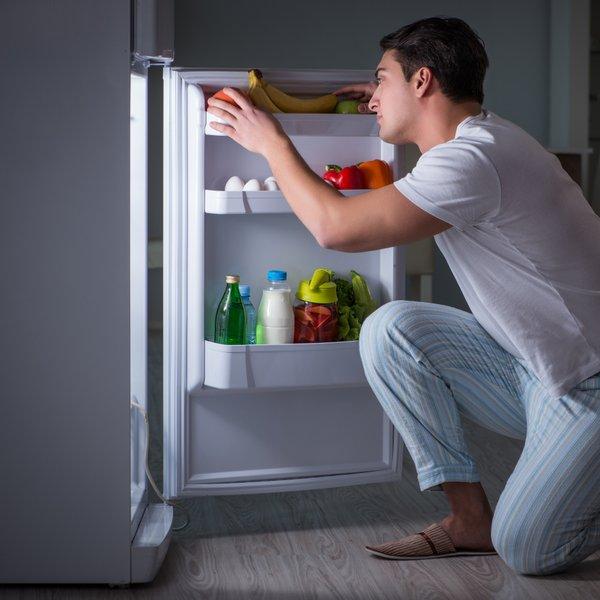 Tako se boste rešili neprijetnega vonja iz hladilnika
