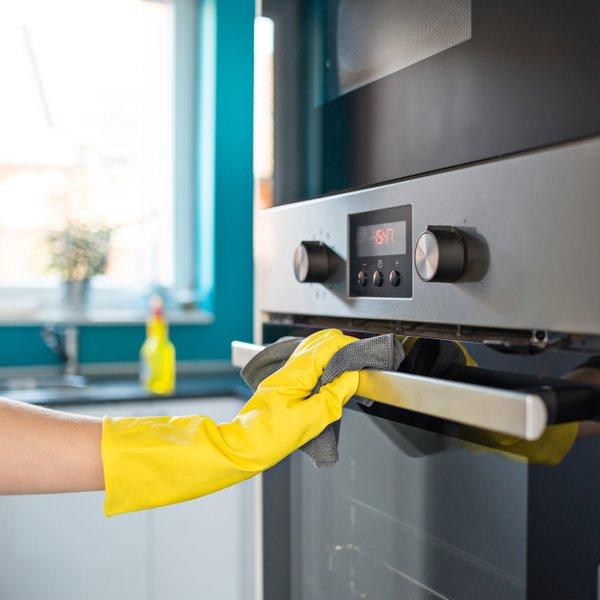 Je lahko čiščenje pečice hitrejše in enostavnejše?