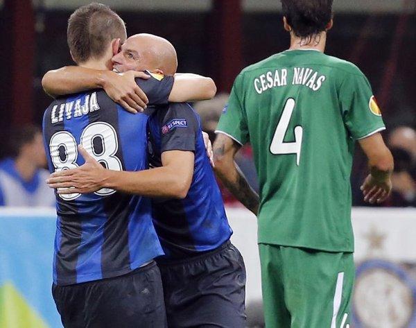 Mirko Livaja in Esteban Cambiasso