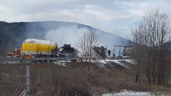 Požar na avtocesti Gabrk–Fernetiči