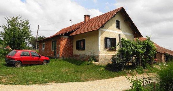Hiša v Trnovcih