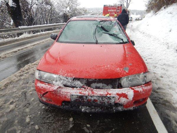 Led je poškodoval vozilo