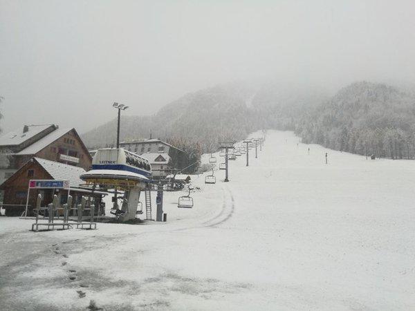 Sneg na smučišču v Kranjski Gori - 2