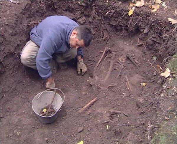 Grobišče v Lovrenški grapi pri Škofji Loki