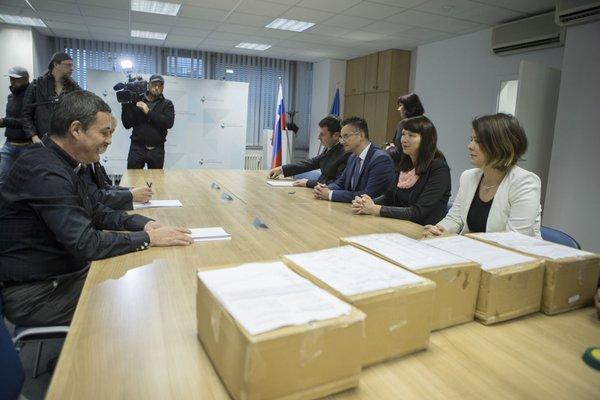 Marjan Šarec je vložil kandidaturo za predsednika - 9