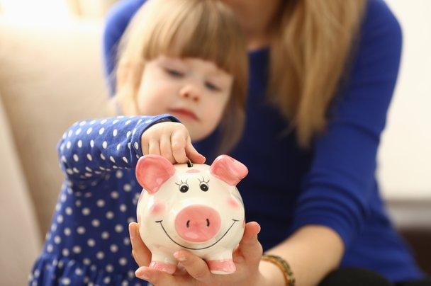 Marko Juhant: 'Za denar velja enaka vaja kot za metlo. Dajte ga otroku v roke!'