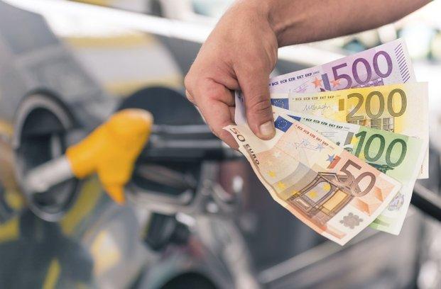 Nekaj trikov, kako privarčevati gorivo