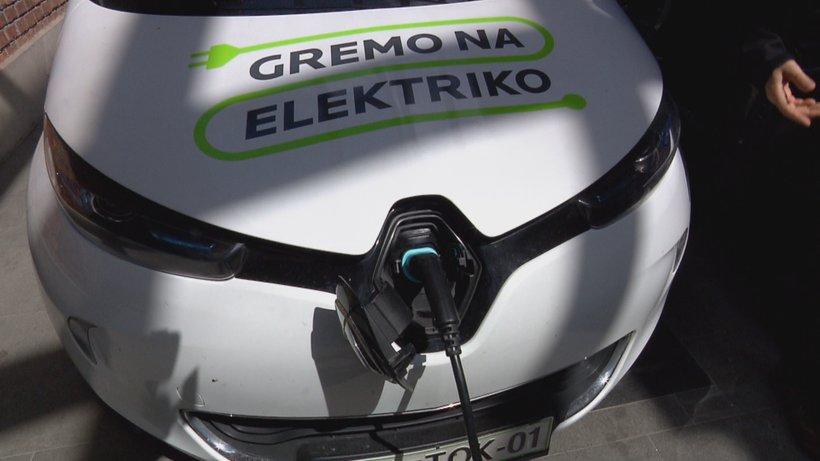 Polnjenje električnih avtomobilov v mreži Gremo na elektriko bo od 6. maja plačljivo.