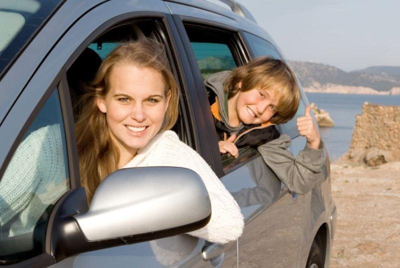 Če greste v tujino z avtomobilom, ne pozabite vzeti s seboj veljavne zelene karte.