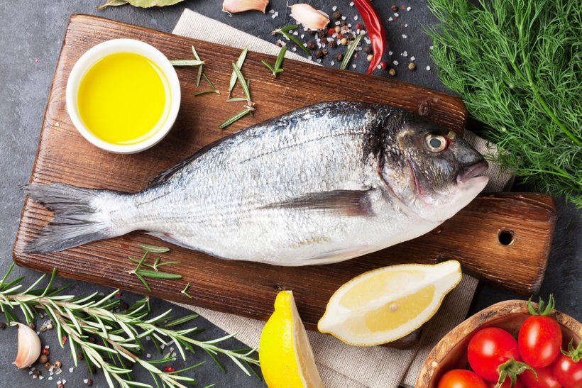 Čeprav so se nekatere ribje zaloge zaradi ukrepov skupne ribiške politike stabilizirale, samooskrbnost Evrope ostaja premajhna in prekomerni izlov prevelik.