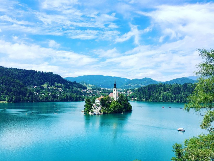 V Sloveniji je veliko naravnih kopališč.