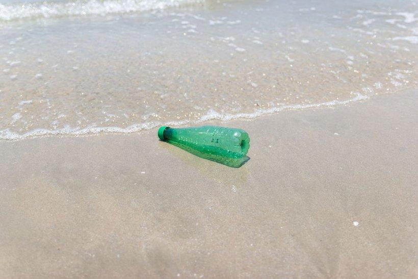 Zaradi turizma se ob obalah poveča tudi število odpadkov za do 40 odstotkov.